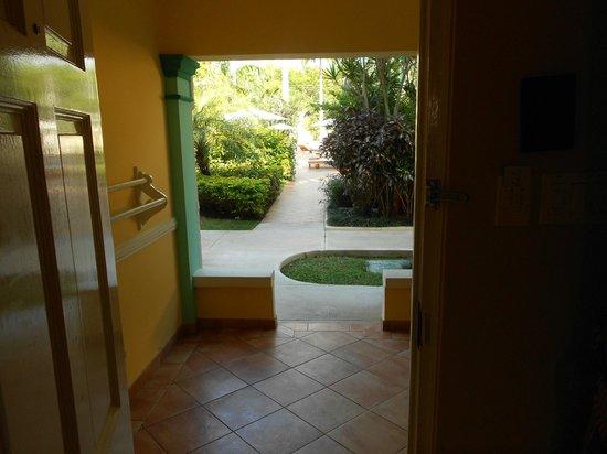 Sandals Royal Caribbean Resort and Private Island: Premium room #1112