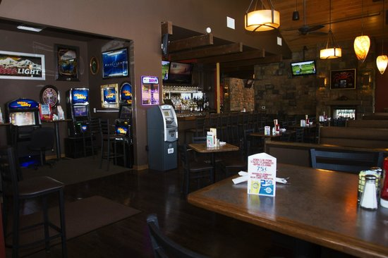 Village Bar & Grill: Bar & Lottery Lounge