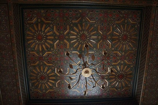 Riad Misria : Ceiling in Main Bedroom