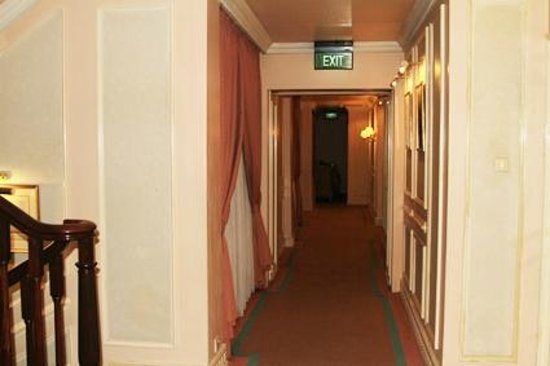The Duxton Hotel: The corridor