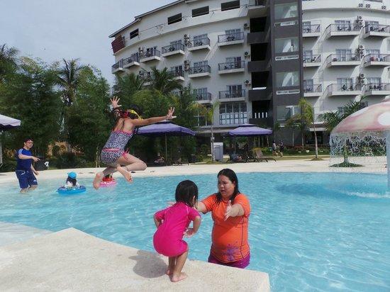 Best Western Cebu Sand Bar Resort : Pool