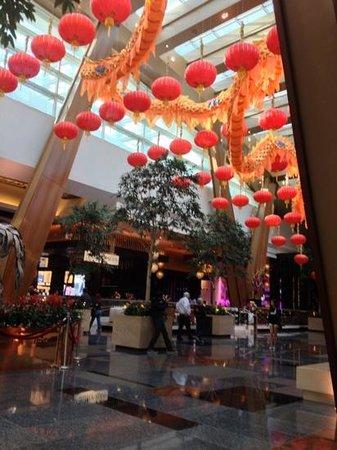 ARIA Resort & Casino: foyer