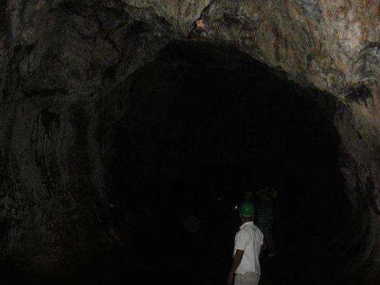 Tierra Day Tours:  Granada: in the lava tube