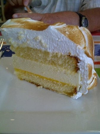 Hot Chocolates: Lemon meringue cake