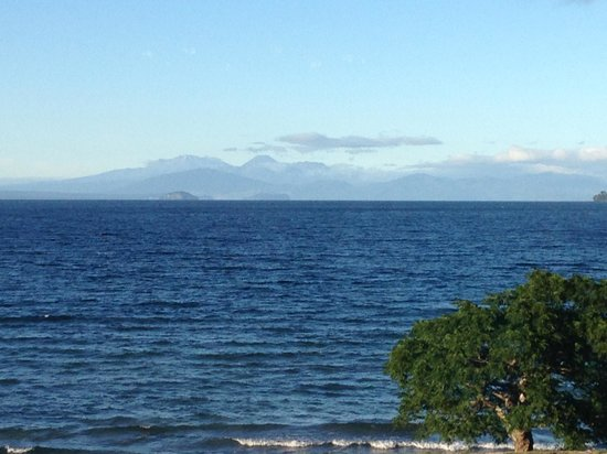 Wellesley on the Lake Taupo: View from the hotel restaurant