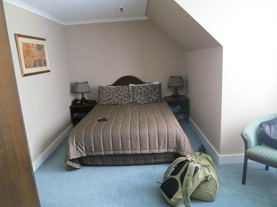 Chateau Tongariro Hotel: Standard room
