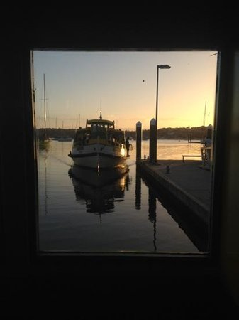 Cronulla & National Park Ferry Cruises: last boat from Bundeena