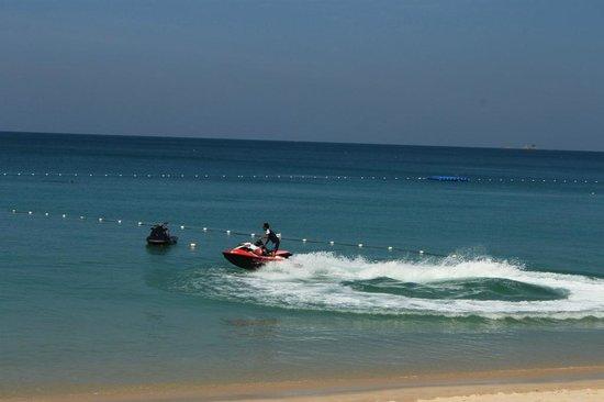 Dusit Thani Laguna Phuket: Beach and watersports