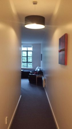 315 Euro Motel: Hall from entrance