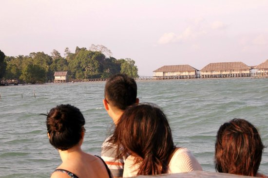 Blue Mountain Kelong: View of the Kelong from the boat