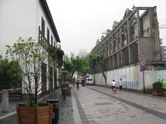 SSAW Hotel Hubin: the old raod