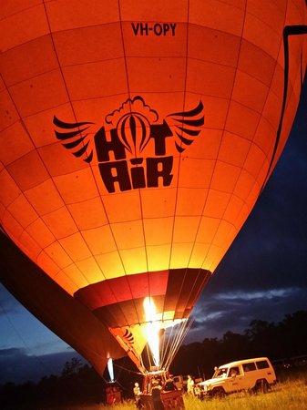 Hot Air Balloon Port Douglas : Hor Air Ballooning Rocks