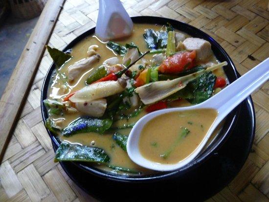 Bamboo Bee Vegetarian Restaurant: Tom yum gung