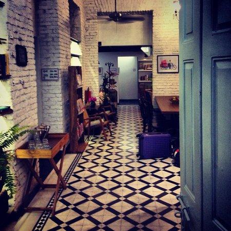 Abode Bombay : The entrance