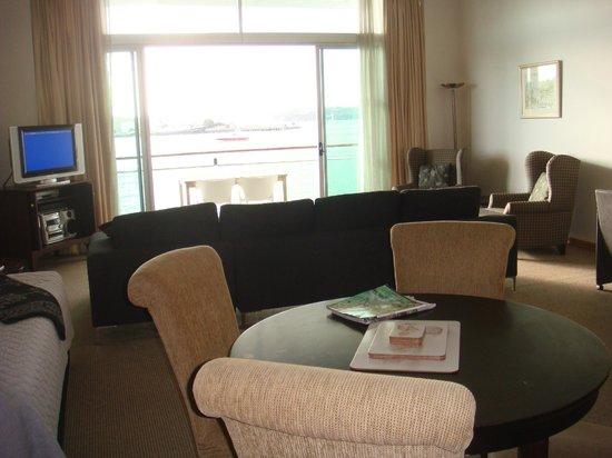 Auckland Waterfront Serviced Apartments: View from dining area