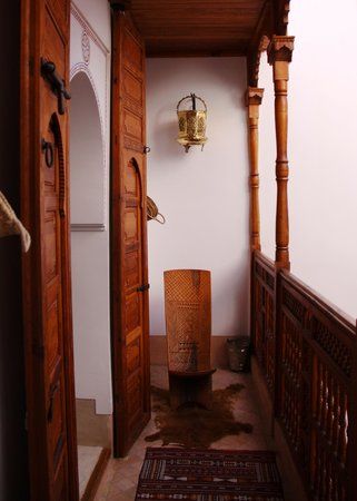 Riad Slawi: Sitting area outside the bedroom