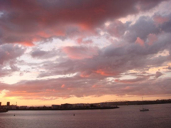 Auckland Waterfront Serviced Apartments: Sunset