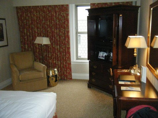 Mayflower Park Hotel: Room 1119