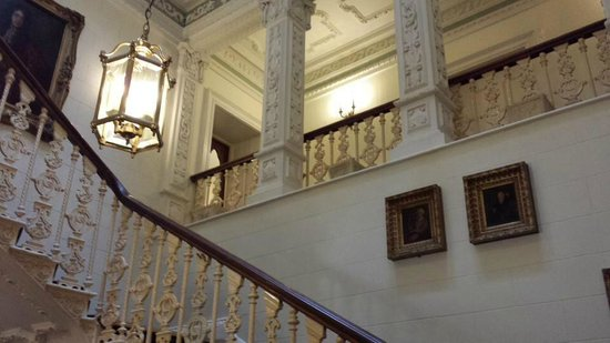 Ettington Park Hotel: Main staircase
