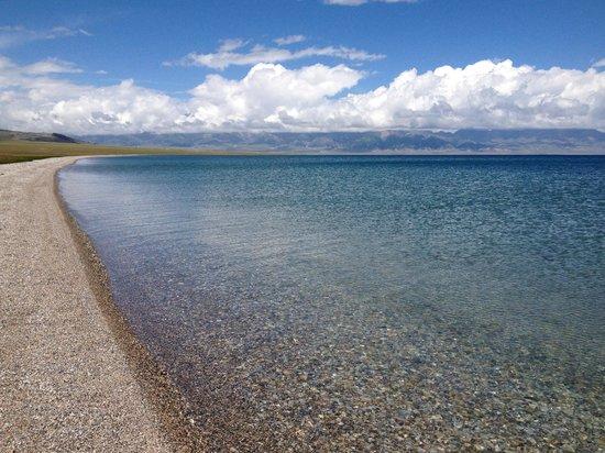 Sailimu Lake: Lake shore near X203