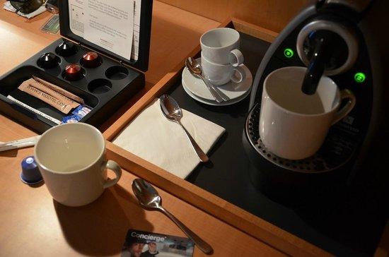 Swissotel Berlin: Machine à café Nespresso