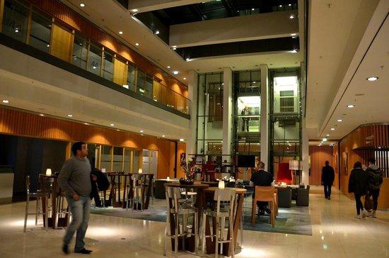 Swissotel Berlin: Le hall
