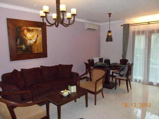 Risata Bali Resort & Spa: Living room