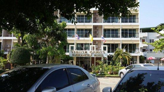 Subhamitra Hotel : 03.03.2014