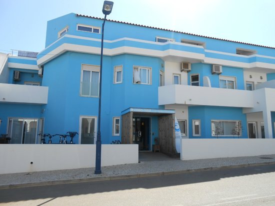 Casa Azul Sagres - Rooms & Apartments: vista hotel