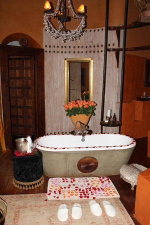 andBeyond Ngorongoro Crater Lodge: That bath tub at the end of a dusty drive