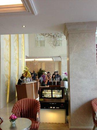 Grand Silverland Hotel & SPA: Lobby