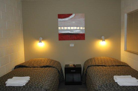 Ryley Motor Inn: 2nd room of 2 room family room