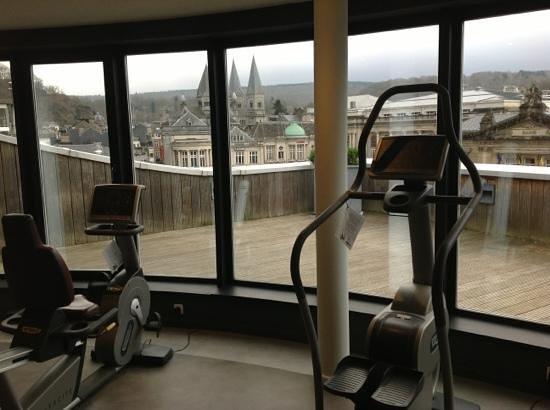 Radisson Blu Palace Hotel, Spa : très belle vue depuis la salle de fitness au 4ème étage...