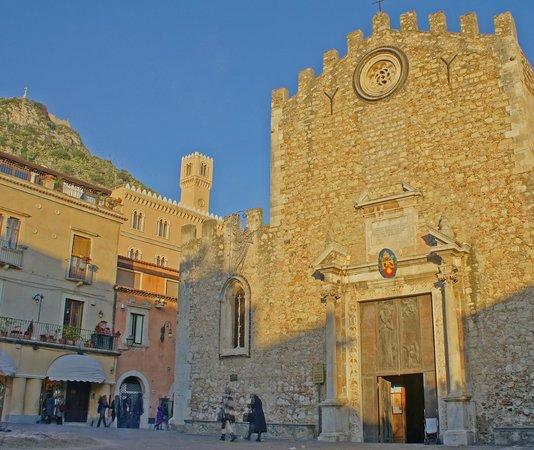 San Domenico Palace Hotel : La vista che si presenta 150 mt dopo l'hotel