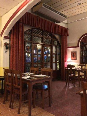 La Terrasse Inside