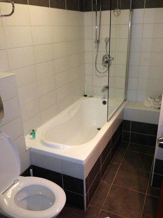 Mercure Tel-Aviv City Center: bathroom
