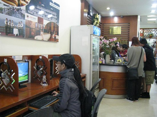Hanoi Rendezvous Hotel: fast wifi in room and in lobby area