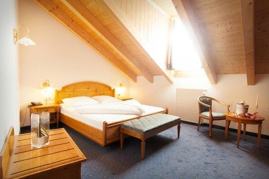 Wellness Hotel Engel Kirchplatz Nr  I  Sluderno Alto Adige