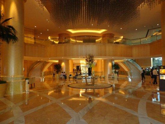 One World Hotel: Hotel Lobby