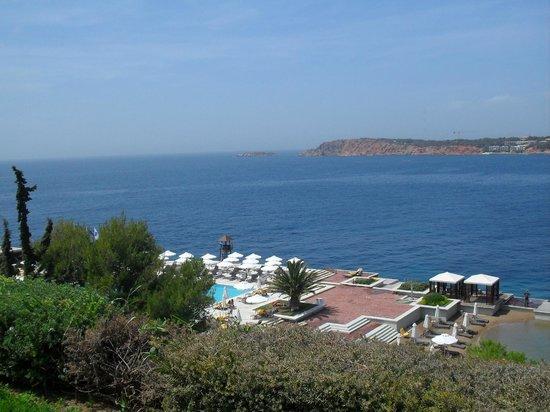 The Westin Athens Astir Palace Beach Resort: odadan havuz ve açık alanlar