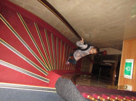 Hotel Nadia : Лестница