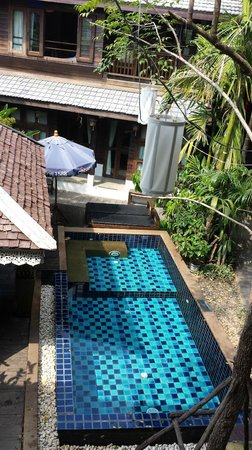 BanThai Village : The small pool. Very nice. Beware of sunlounge hoggers!