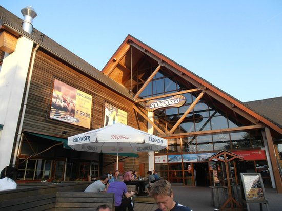 Snow World Landgraaf: Le bâtiment