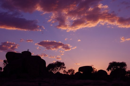 Wauchope, Австралия: couple on toof rocks sunset view