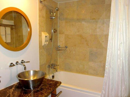 Guam Plaza Hotel: バスルームも綺麗でした
