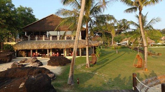 Chen Sea Resort & Spa Phu Quoc : bar et restaurant