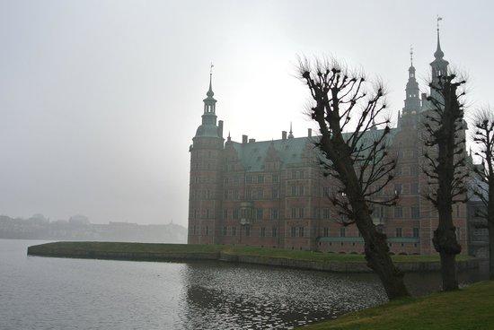 Frederiksborg Castle: L'affaccio sul lago