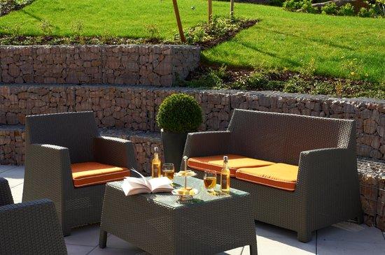 Le Comptoir des Châteaux | Hostellerie des Chateaux : Terrasse