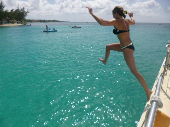 Cool Runnings Catamaran Cruises: Jumping off the boat