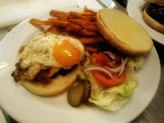 """Hoserer Rolly""""s American Diner: Jersey Burger mit Sweet Fries"""